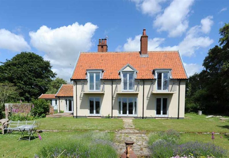 Why Is It Best To Stay In Suffolk Holiday Cottages?