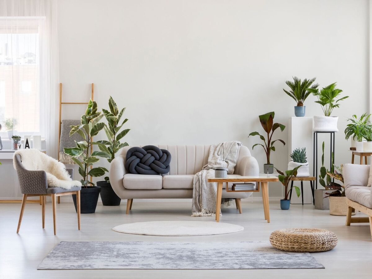 4 Tips for Decorating Your Airbnb